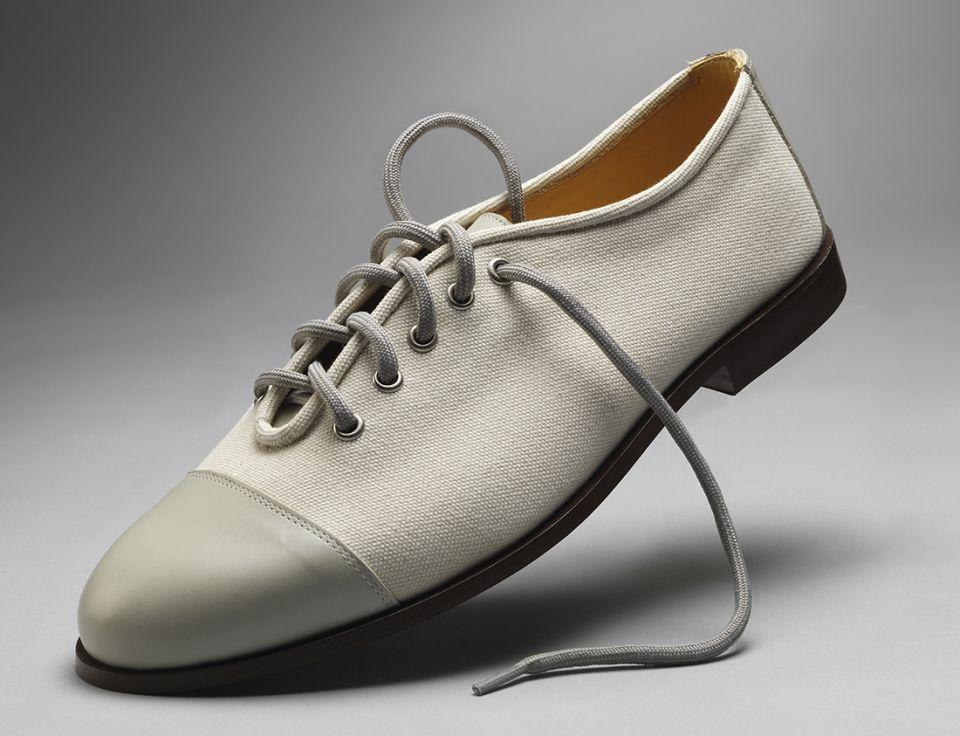 Modern English - handmade canvas shoe (White)