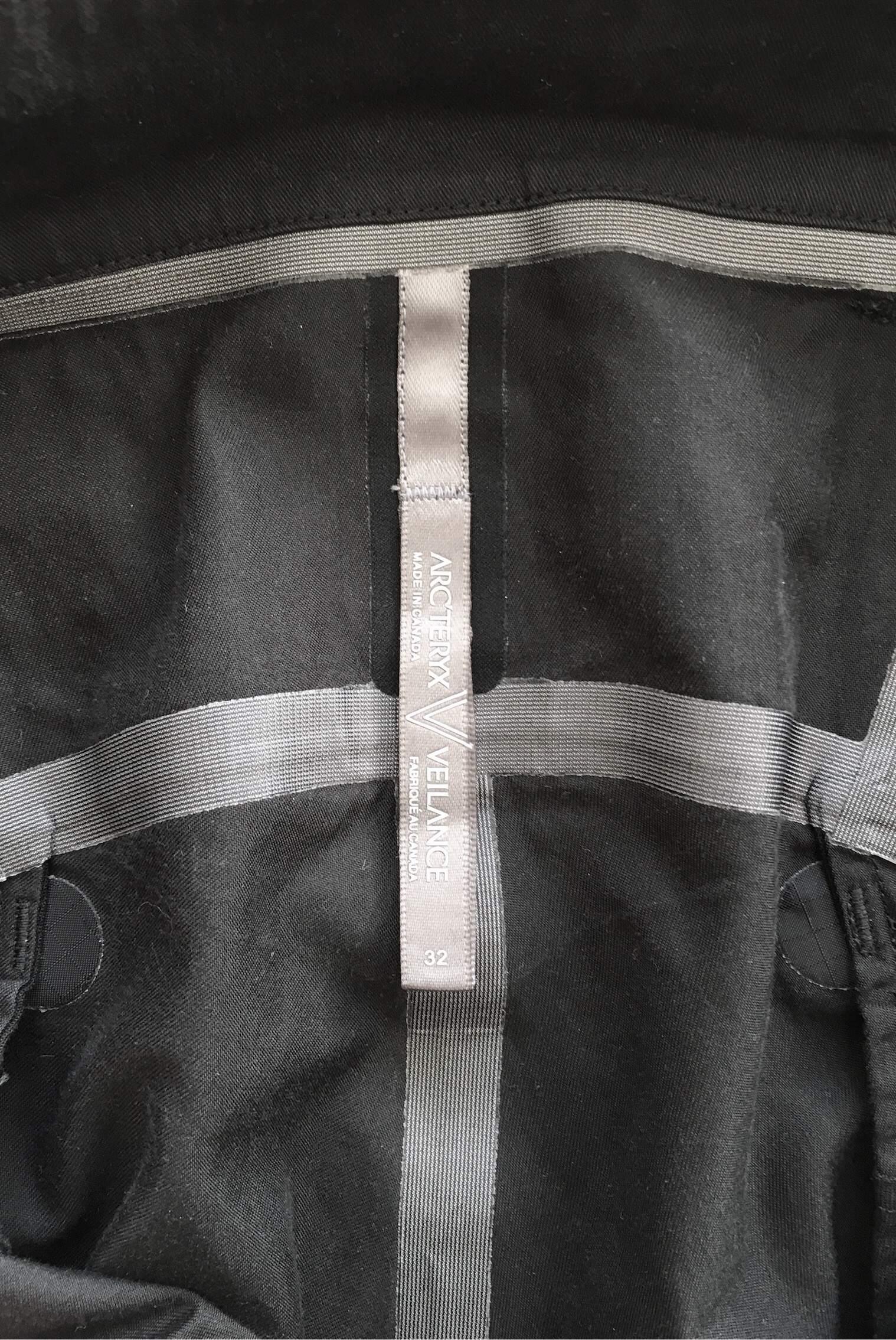 Arc'teryx Veilance Liminal Black sz. 32