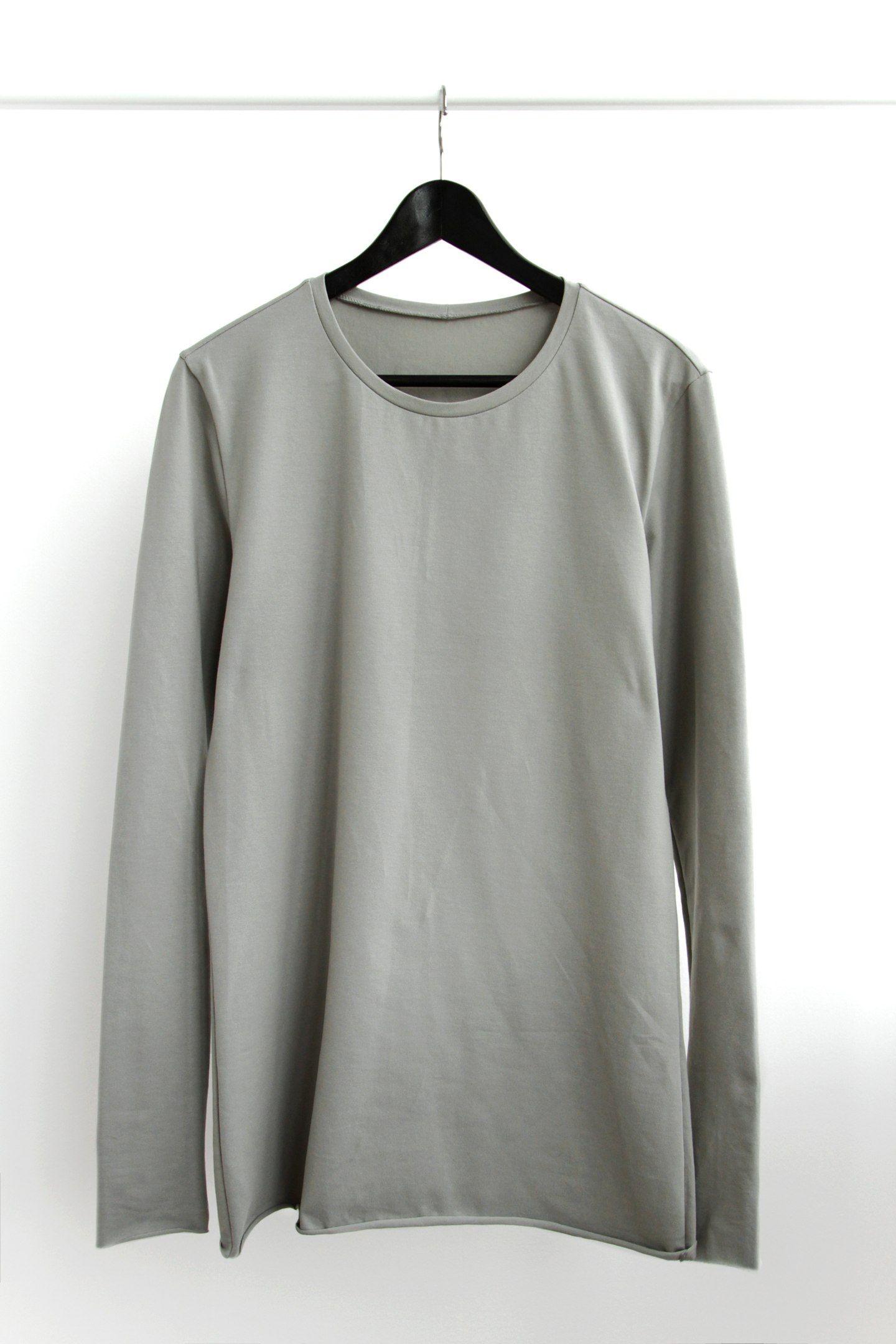 Handmade base cotton longsleeve in grey.