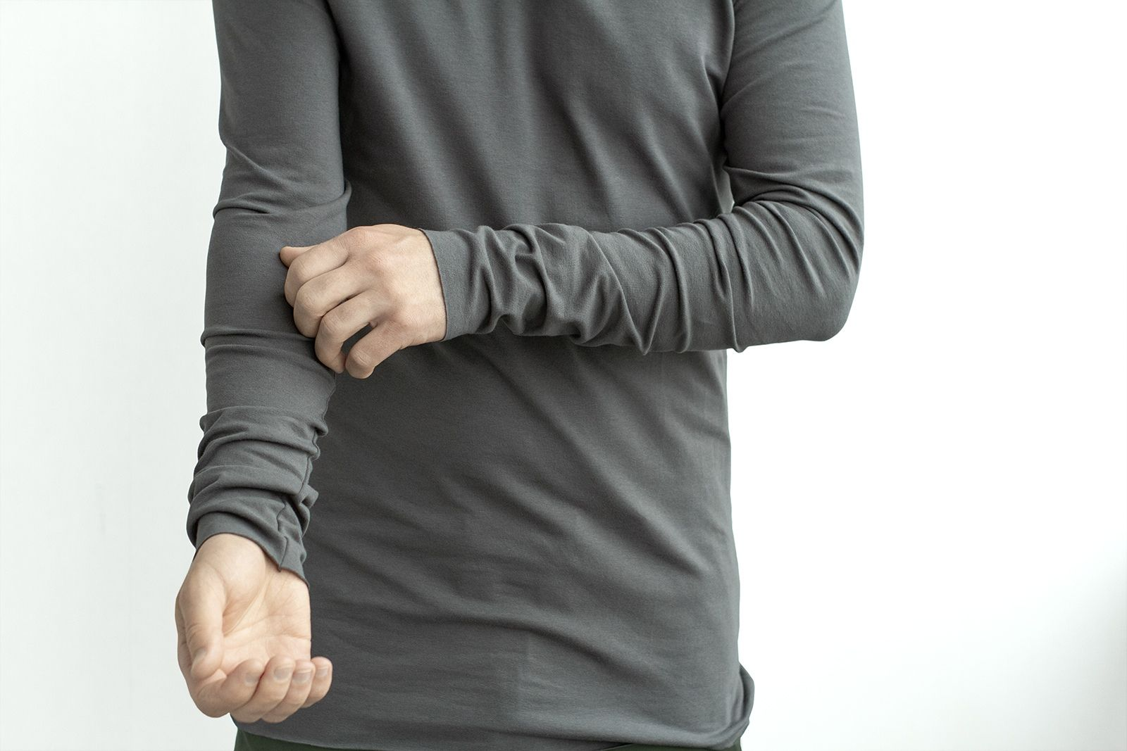 Base non-branding longsleeve in dark gray